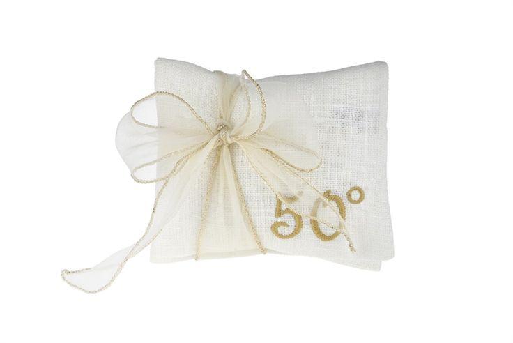 Bomboniera per Anniversario di Matrimonio  Busta 5 confetti Mandorla oro Cinquantesimo oro