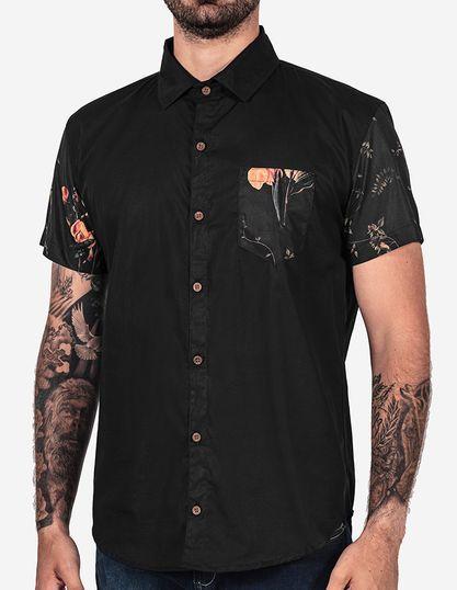 Camisetas estampadas e florais garbosas. Pólos e camisas masculinas ... 95a1d9b31512b