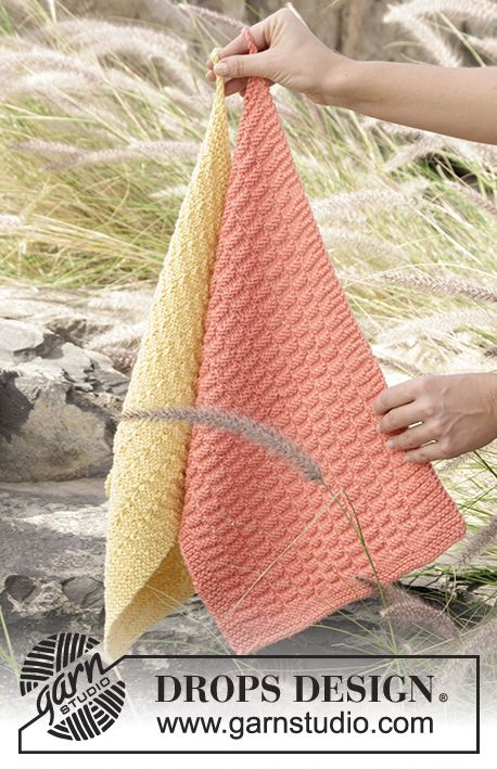 "Knitted DROPS towel with textured pattern in ""Paris"". Free Pattern"