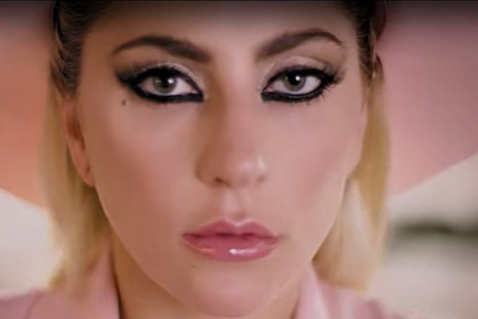 'Million Reasons' de Lady Gaga estrena video