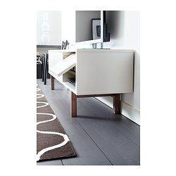 IKEA - STOCKHOLM, Mueble TV, beige, , Es fácil ocultar los cables si los pasas entre las baldas y por la salida para cables de la parte inferior del mueble.Puedes regular la altura de las baldas para adaptar el espacio a tus necesidades.Como la parte trasera también está acabada, puedes colocar el mueble de TV contra la pared o en medio de la habitación, o utilizarlo como separador de ambientes.Gracias a las patas regulables el mueble para TV se mantiene estable aunque el suelo sea…