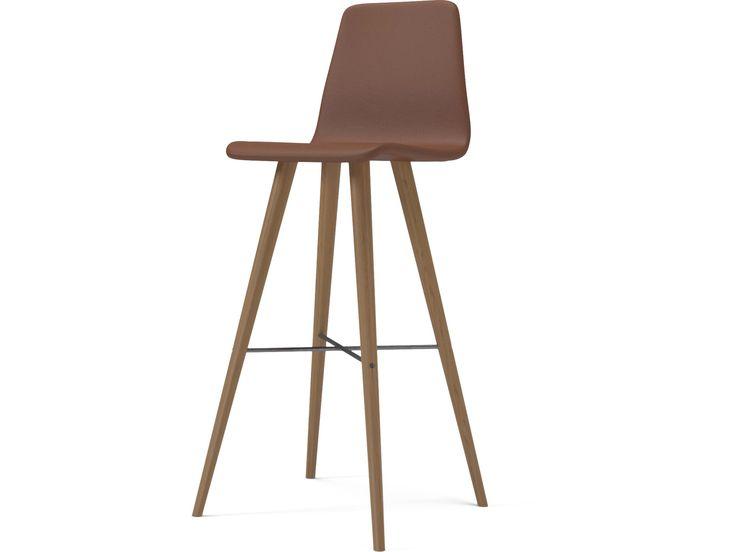 Beaver är en modern stol med massor av tecken och coola detaljer. Med stål korsningen och avsmalnande ben, ett dynamiskt formspråk och en retro-look.