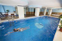 Piscina Climatizada del Centro de Relax en el Hotel Tres Anclas de la Playa de Gandia.