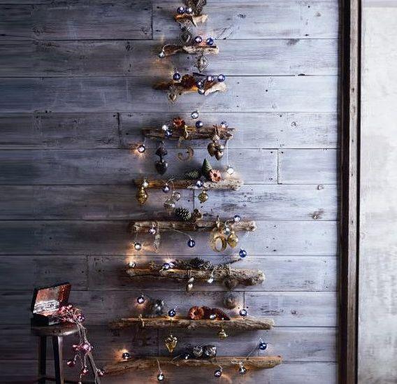 Unechter-Weihnachtsbaum-aus Holz