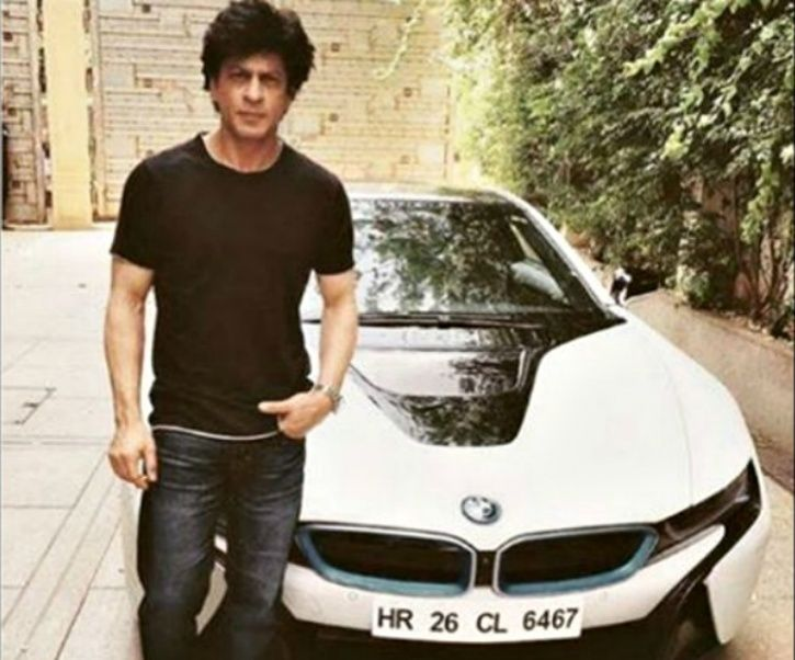 shahrukh-khan-spotted-with-his-new-car-bmw-i-8-latest-picture-17-1466158344_1466587488_725x725