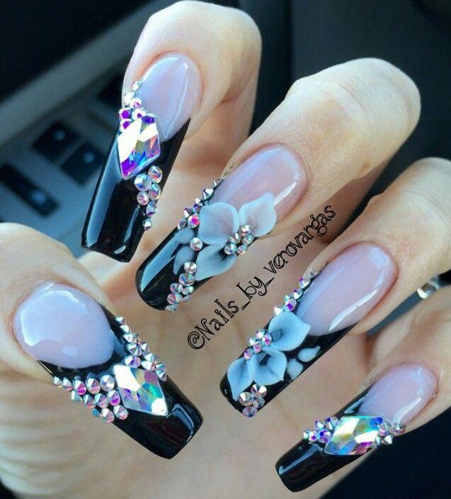 Rhinestone floral black tip nails @TrxLLBbyMoNRoE ❤