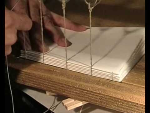 Bookbinding hand sewn lesson 1 step 3 - demonstration in Italian