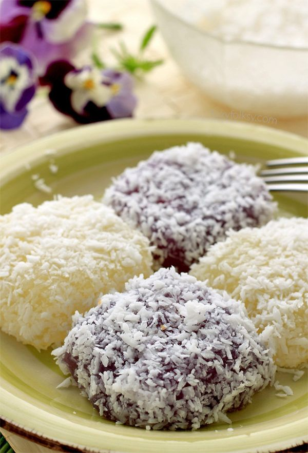 PICHI PICHI Get this easy recipe for Pichi Pichi. A Filipino dessert made from cassava, sugar and water. Steamed and coated in grated coconut. Recipe at http://www.foxyfolksy.com/2015/05/pichi-pichi-recipe.html