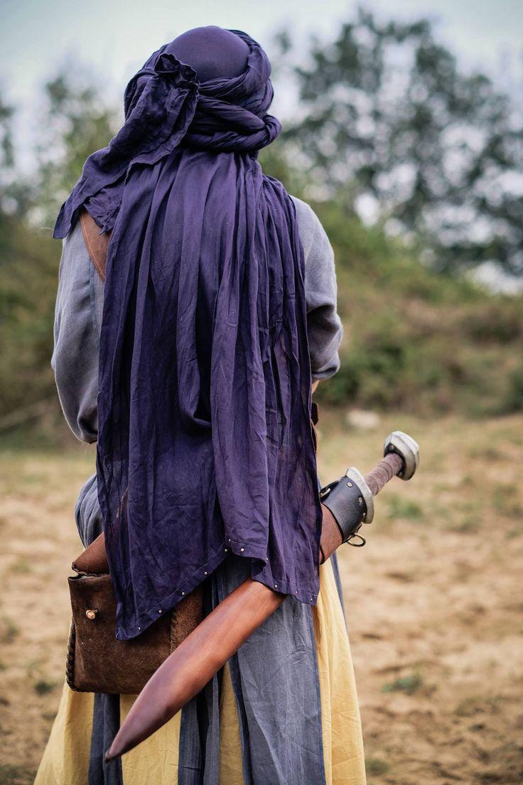 Mythore New Lands LARP costume. Photograph © Tom Garnett. #Tagelmust
