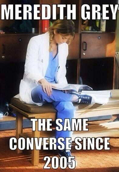 Ellen Pompeo (EllenPompeo) on Twitter..I have noticed her converse shoes over the  years, and wondered if she has numerous pairs or wears one pair all the time!  LOVE MER!!