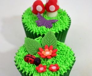 Best Ladybirds Bees And Bugs Cupcakes Images On Pinterest - Bug cupcake decorating ideas