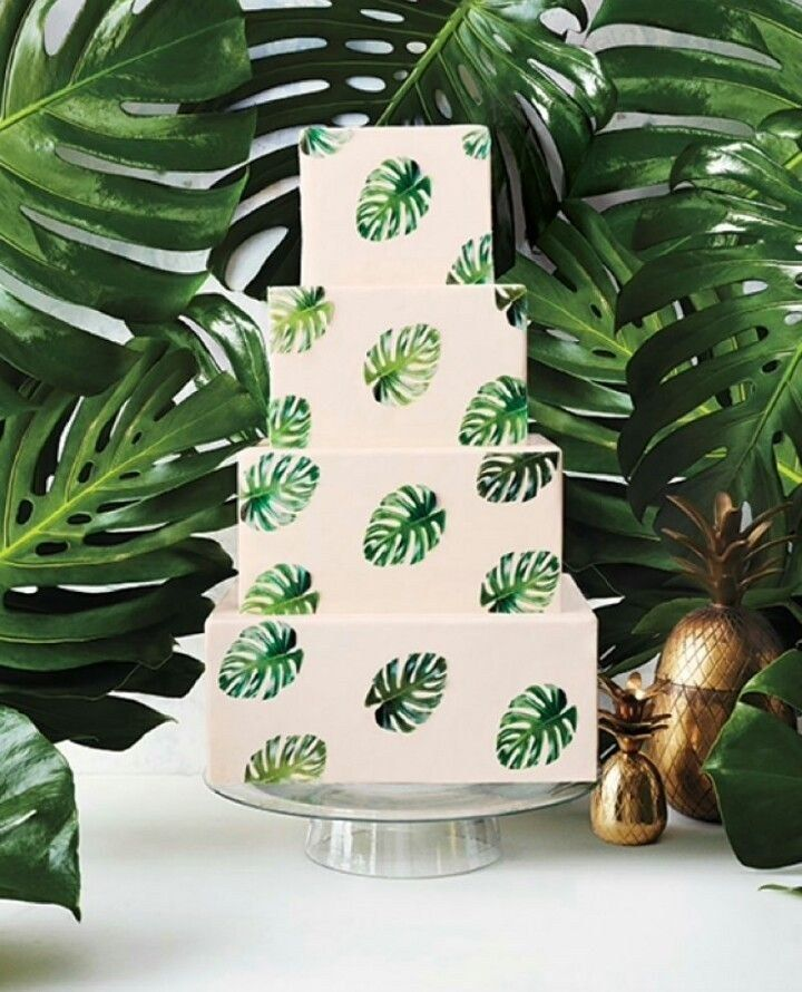 leaf wedding cake 7 summery wedding cakes decorated with tropical monstera 16776