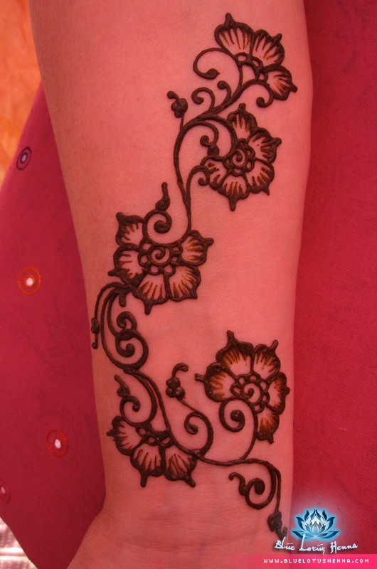 1000+ images about Quick henna designs for festivals on ...