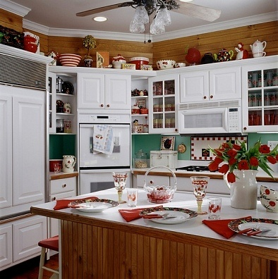 Cherry Kitchen Cabinets With Red Accents