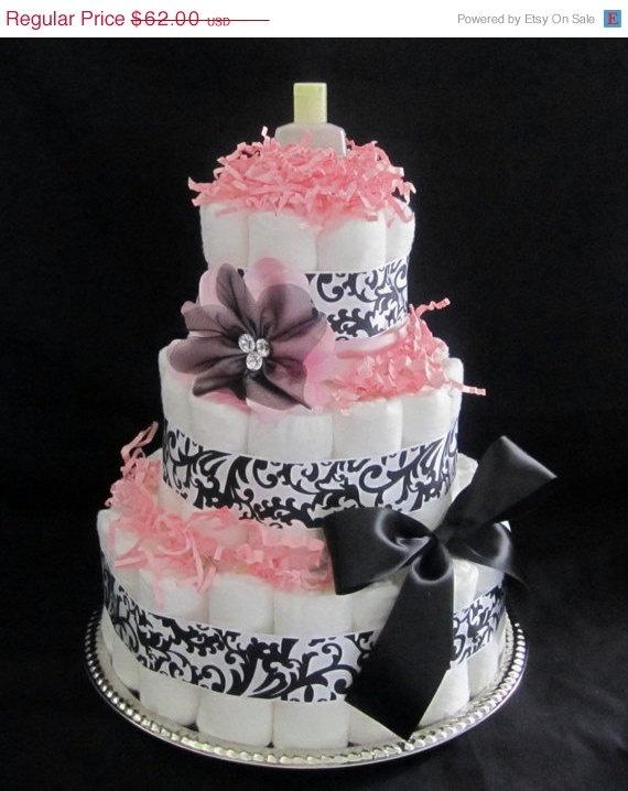 I love the diaper cakes...