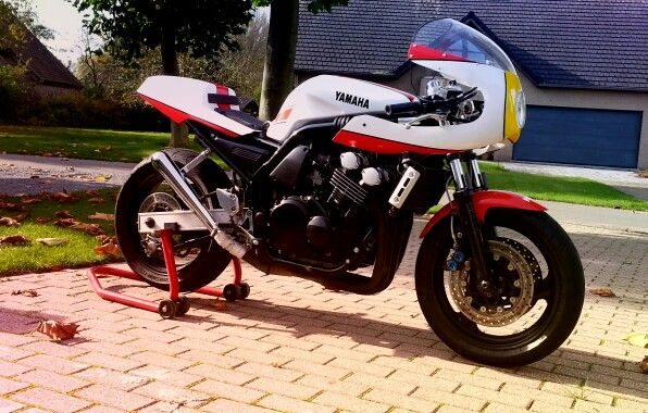 Mv Agusta Brutale >> Yamaha fazer made by puimege bjorn.belgium   Bjorn's cafe ...