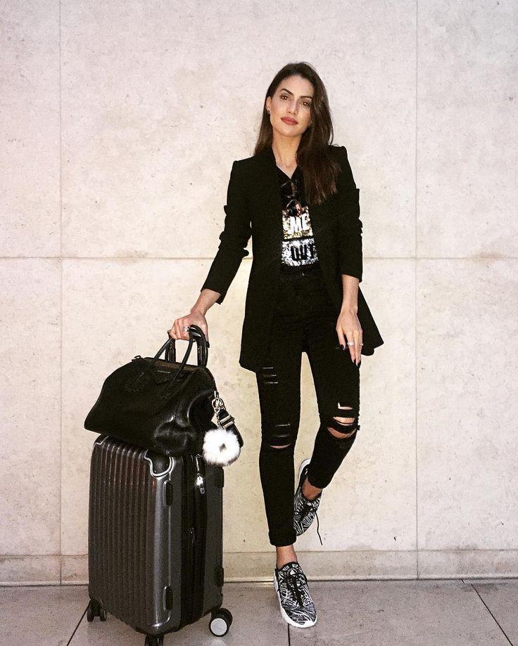 Love traveling in all black! #ootd #airportstyle (Tap the screen for credits) ------ Adoro viajar de preto! O de hoje foi assim (Créditos na tela) by camilacoelho