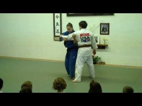 Ronda Rousey Judo demo 11/13/2011 Dynamix Grand Opening - YouTube