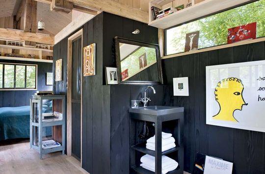 Déco de charme dans l'atelier de Marc, son mari - Sarah Lavoine : sa nouvelle maison de campagne - CôtéMaison.fr