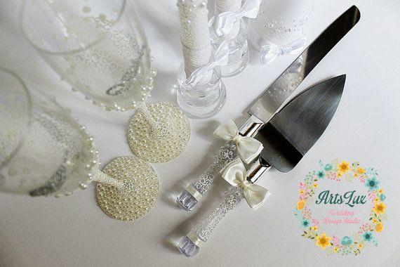 Wedding Cake Serving Set in Ivory-Wedding Cake and Knife Set with bows-Wedding Pearls Cake Cutting Set-Wedding Cake Accessories-Wedding gift