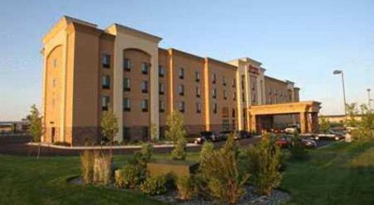 Hampton Inn & Suites Billings West I-90 Billings Situated in Billings, Montana, just off Interstate 90, this hotel offers a free hot breakfast every morning and comfortable guestrooms with free high-speed internet access.