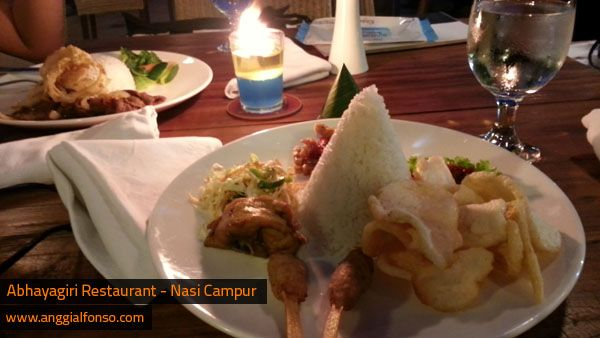 get dinner in abhayagiri restaurant jogjakarta indonesia