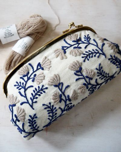 Blue flower embroidered bag