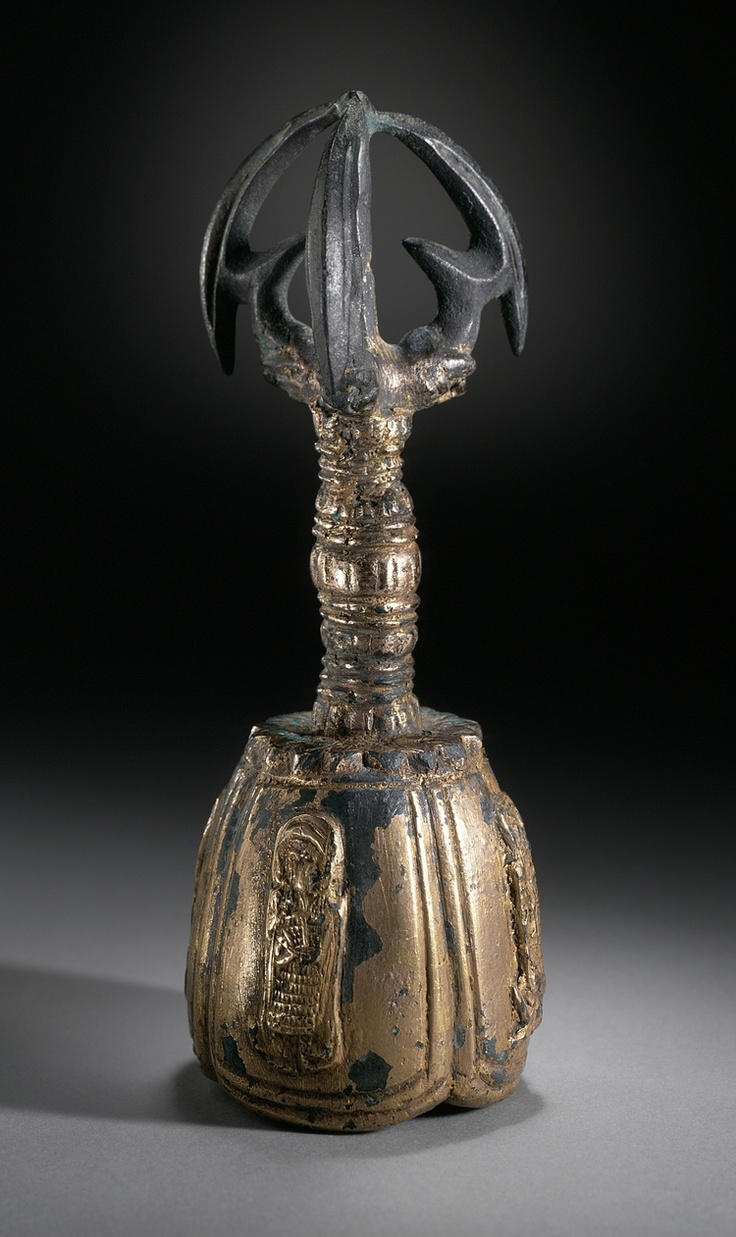 Bell with Four Deva Kings (Sach'onwang) and Handle in the Form of a Vajra (Kumgang), the Buddhist Thunderbolt Date: Goryeo dynasty (918-1392), 10th-11th century