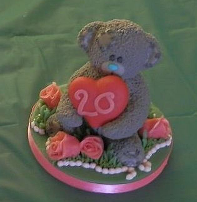 #MetoYou #Bear Marzipan Model... including marzipan pink roses and grass with small beads to finish  #CakeTopper