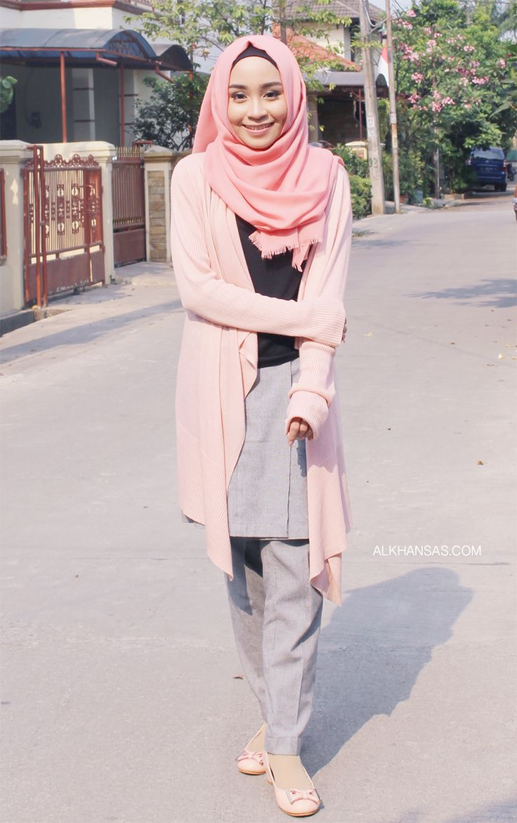 Hijab street style with pastel color tone