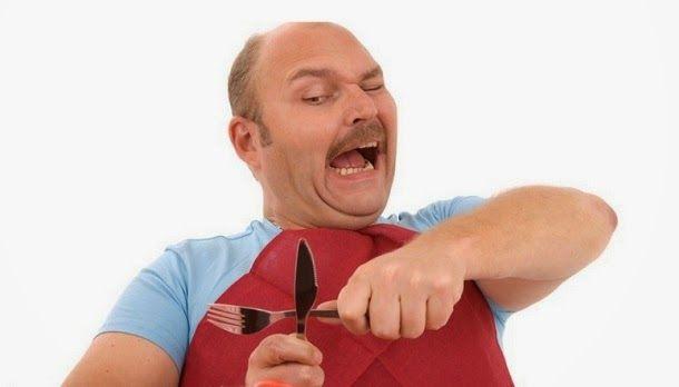 Conheça alguns alimentos perigosos e ainda consumidos que você deve ingerir com mais cautela, se tiver coragem de os comer.
