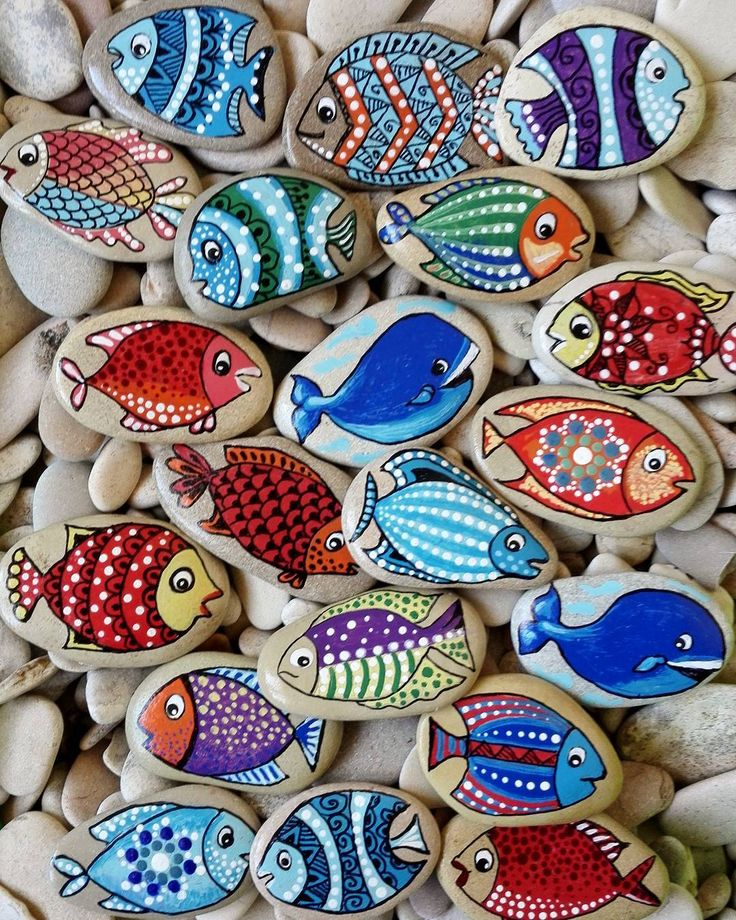 #magneti #magnet #fish #painter #paintingstones #pebbleart #handmade #fineart #unique #instagood #instadaily #instalike #animalart #artwork #illustration #drawing #creativity #hobbys #animals #painting #fattoamano #stoneart #rockpainting #tasboyama #pedraspintadas #realart #nature #sassidipinti #stonepainting