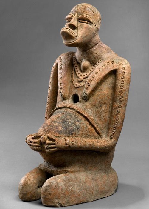 Djenne terracotta #052 •Private CollectionPhoto ©2009 Anne Deknock, GentYale # 0106628