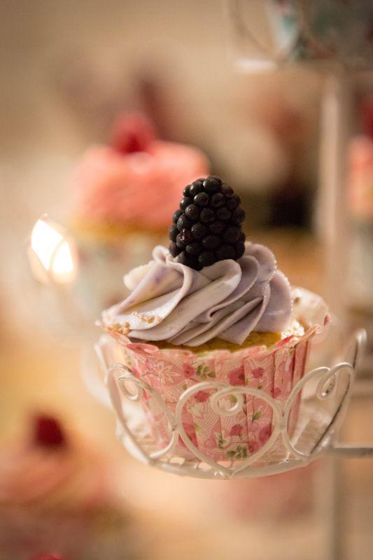 Cupcake viola con le more