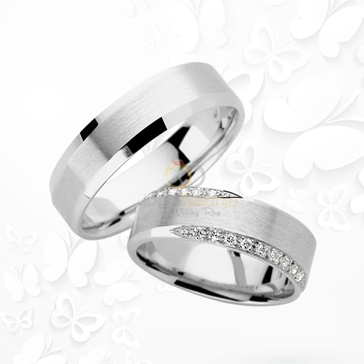 Cincin Kawin Nazihah memiliki desain cincin yang elegan terbuat dari bahan emas putih yang dibuat oleh pengrajinn profesional Kotagede dengan bahan pilihan yang bermutu dan berkualitas. Pada cincin pasangan wanita ditambah 20-22 buah batu zircone putih berkualitas, yang ditata sejajar rapi. Untuk cincin pasangan pria sendiri dibiarkan polos tanpa batu dengan finishing masing –...