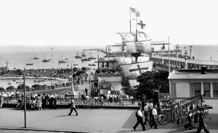 Old photo of The Golden Hind And Pier c1950, Southend-On-Sea