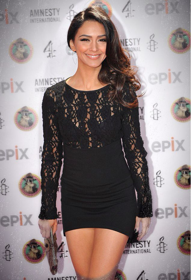 Nazanin Boniadi | Sexy Women | Fashion, Girl fashion, Women