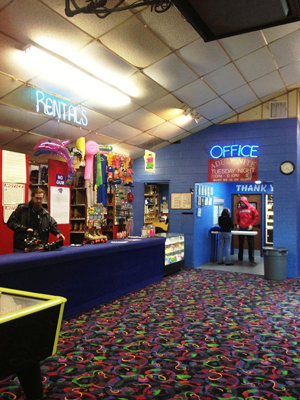 Playland Skate Center is an indoor roller skating rink transported straight from the '80s. | http://austinitetips.com