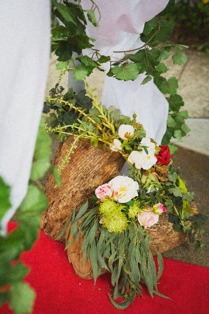 Sarah and Tims wedding: floral elements created and styled by Stephanie Belle for Here comes the truck: Weddings and Events