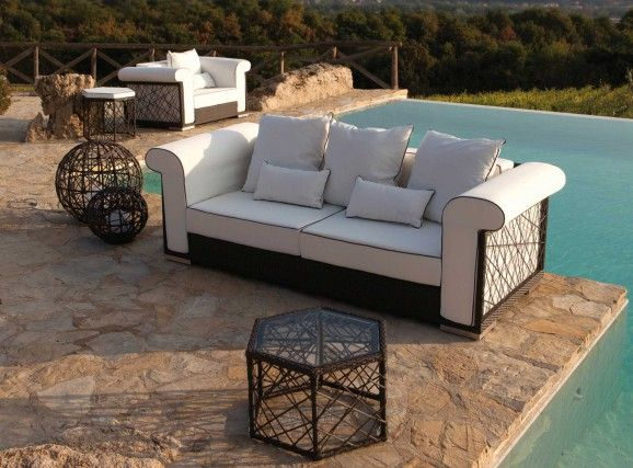 100% Made In Italy. The Contemporart collection expresses a feeling of relaxation and comfort which is characteristic of the CDI lifestyle.