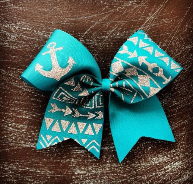 Such an adorable cheer bow and great for cheer practice