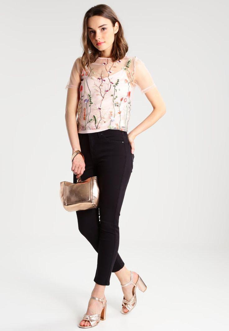 ¡Consigue este tipo de blusas de New Look Petite ahora! Haz clic para ver los detalles. Envíos gratis a toda España. New Look Petite Blusa pink: New Look Petite Blusa pink Ofertas     Material exterior: 100% poliamida   Ofertas ¡Haz tu pedido   y disfruta de gastos de enví-o gratuitos! (blusas, blusa, blusón, blusones, blouses, blouse, smock, blouson, peasant top, blusen, blusas, chemisiers, bluse, blusas)