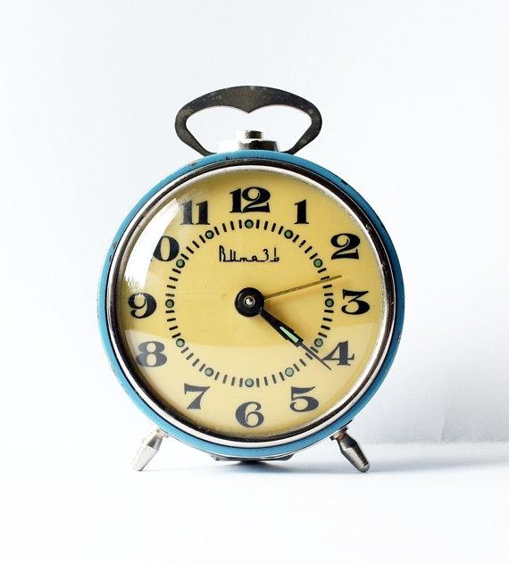 Can you tell I like vintage alarm clocks?