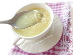 çok lezzetli bir çorba oluyor...mutlaka tavsiyemdir malzemeler: 2 su bardağı tavuk suyu 3 su bardağı normal su 1/2 yemek kaşığı...