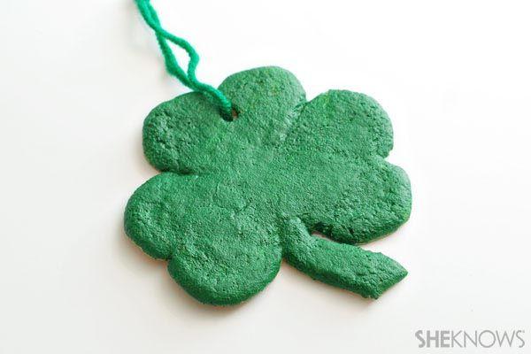 Shamrock ornament St. Patrick's Day craft for kids