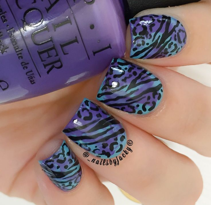 """Solo shot of the #ManiSwap design I did with @polishedjess - All photos were put together in my previous post if you missed it Colors used both from #OPI Blue: """"Can't Find My Czechbook"""" & from the new Hawaii Collection Purple: """"Lost My Bikini In Molokini"""" Designs were done using black acrylic paint & my #2 Pure Color Glamor nail art brush from @whatsupnails. Topped of with #HKGirlTopCoat from @glistenandglow1."""