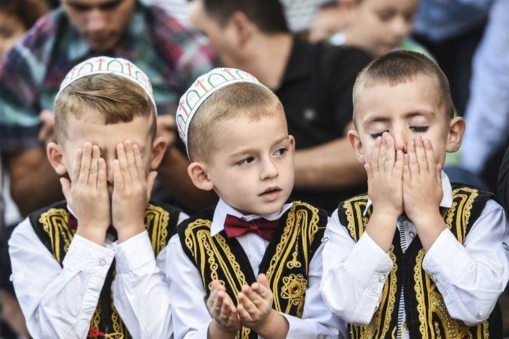Eid Mubarak!! The Holy Month Ramadan Ends Today