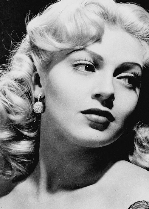 Patricianeal Lana Turner 1944 Mm In Art Pinterest