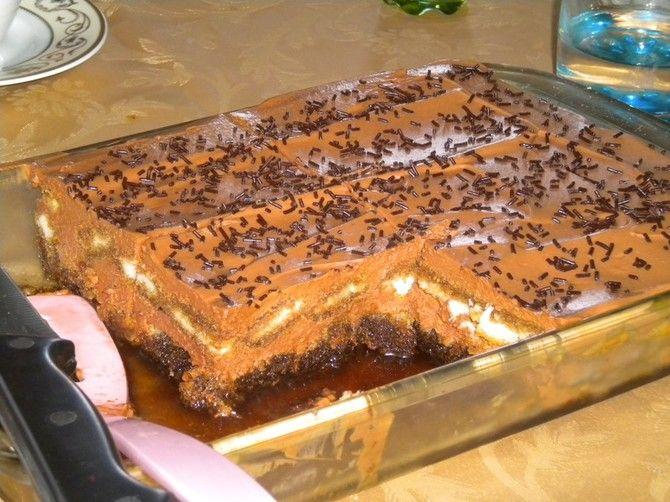 """Reteta de prajitura """"Zapacita"""" se poate fi pregatita oricand deoarece se prepara foarte simplu si rapid."""