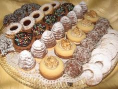 Recipe list of Czech and Slovak Christmas cookies   Czechmatediary We make the nut horns on the right.